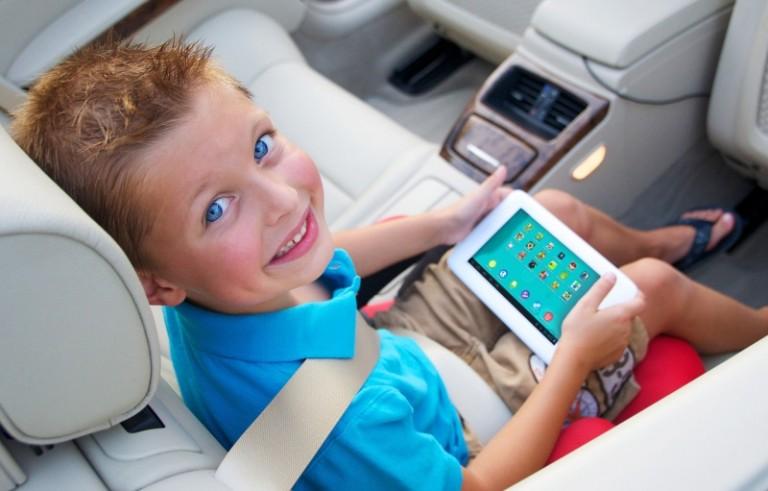 2 Yaşındaki Çocuklar Dokunmatik Ekranlara Adapte Oldu